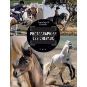 LIVRE PHOTOGRAPHIER LES CHEVAUX